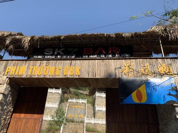 Nghi vấn người Trung Quốc xây phim trường trên núi: Trách nhiệm cán bộ ở đâu? - Ảnh 1.