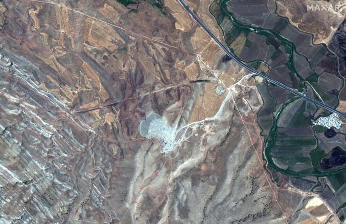 Phát hiện trường thành bí ẩn dài 115 km, 2.000 năm tuổi ở Tây Á - Ảnh 2.
