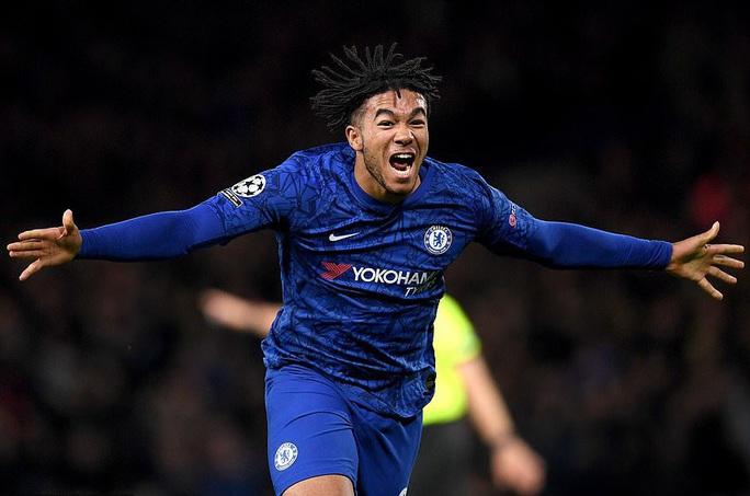Cận cảnh 2 thẻ đỏ trong 55 giây của Ajax, Chelsea được trọng tài ưu ái? - Ảnh 9.