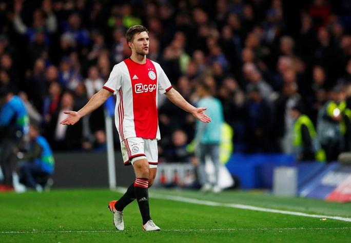 Cận cảnh 2 thẻ đỏ trong 55 giây của Ajax, Chelsea được trọng tài ưu ái? - Ảnh 5.