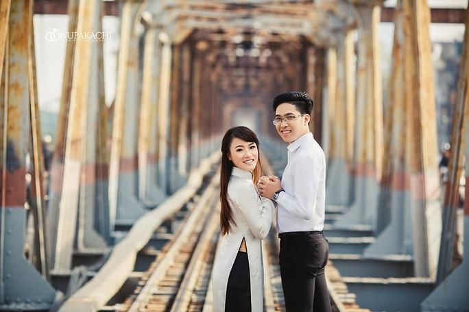 Đài CNN: Cầu Long Biên trở thành điểm nóng chụp ảnh - Ảnh 2.