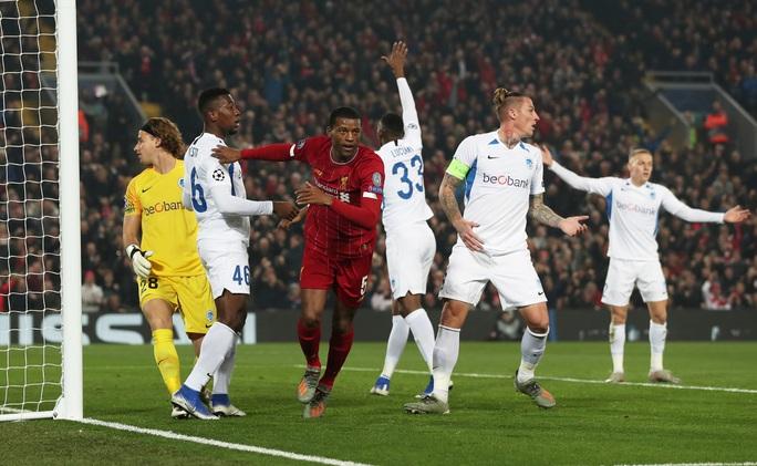 Thần tài tỏa sáng, Liverpool lên ngôi đầu bảng Champions League - Ảnh 2.