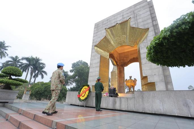 Báo công dâng Bác của Bệnh viện dã chiến trước khi lên đường gìn giữ hòa bình LHQ - Ảnh 2.