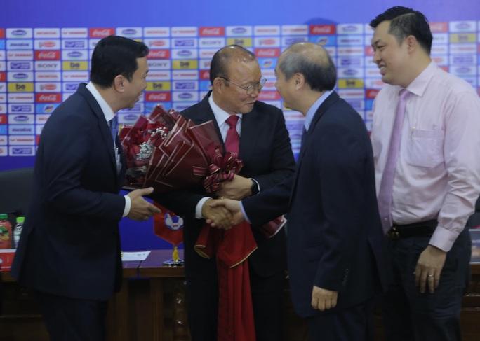 HLV Park Hang-seo bộc bạch mục tiêu, tâm huyết sau khi ký gia hạn hợp đồng - Ảnh 9.