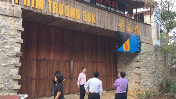 Cận cảnh công trình bí mật trên núi ở Lạng Sơn nghi là phim trường của nhóm người Trung Quốc - Ảnh 1.