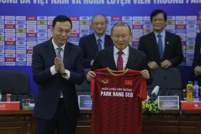 HLV Park Hang-seo bộc bạch mục tiêu, tâm huyết sau khi ký gia hạn hợp đồng - Ảnh 8.