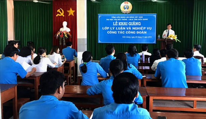 Kiên Giang: Cán bộ Công đoàn học kỹ năng ứng xử - Ảnh 1.