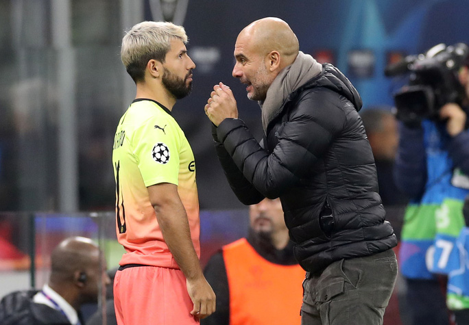 Dùng hậu vệ làm thủ môn, Man City lần đầu mất điểm tại Champions League - Ảnh 5.