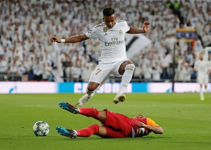 Champions League: Kỳ tài lộ diện - Ảnh 1.