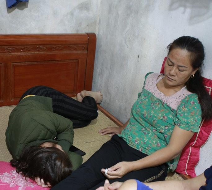 Vụ 39 người mất tích: Đau đớn, người nhà mong muốn sớm đưa xác người thân về - Ảnh 1.