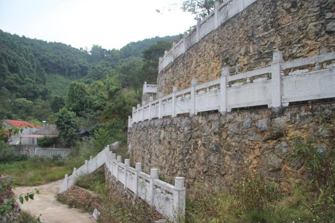 Cận cảnh công trình bí mật trên núi ở Lạng Sơn nghi là phim trường của nhóm người Trung Quốc - Ảnh 22.