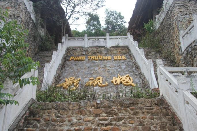 Cận cảnh công trình bí mật trên núi ở Lạng Sơn nghi là phim trường của nhóm người Trung Quốc - Ảnh 25.