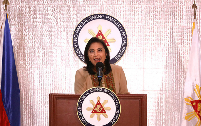 """Phó tổng thống Philippines """"sập bẫy"""" hay """"thách thức"""" ông Duterte? - Ảnh 1."""