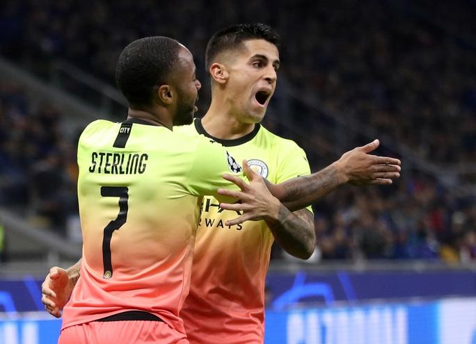 Sử dụng 3 thủ môn, Man City lần đầu mất điểm tại Champions League - Ảnh 2.