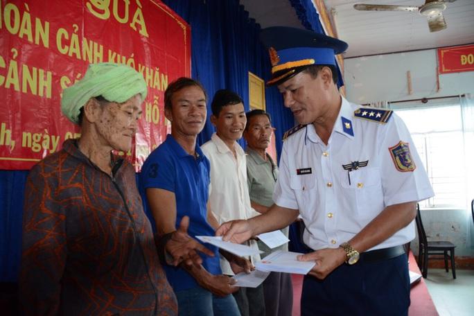 Cảnh sát biển khuyến cáo ngư dân không đánh bắt ở vùng biển nước ngoài - Ảnh 1.