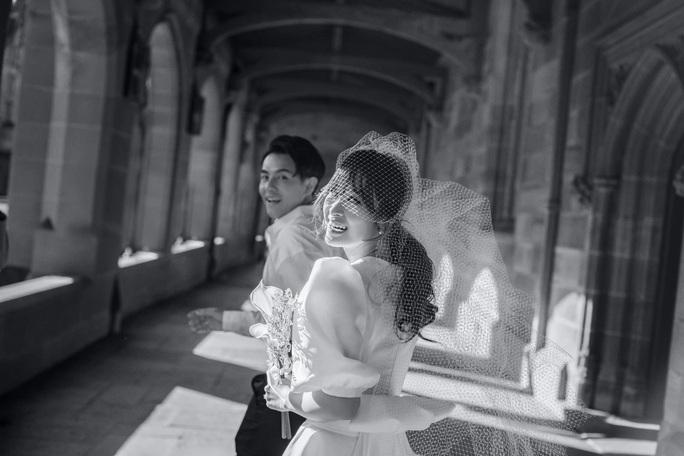 Đông Nhi - Ông Cao Thắng tung ảnh cưới bao trọn gói ở đảo ngọc Phú Quốc - Ảnh 2.