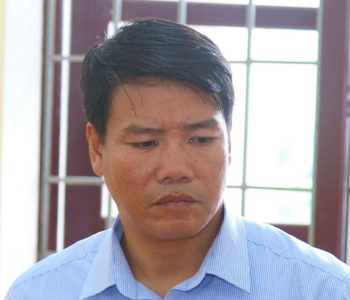Vụ phá rừng ở VQG Phong Nha - Kẻ Bàng: Bắt, khởi tố một trạm trưởng - Ảnh 1.