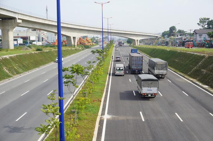 Thông xe nút giao Đại học Quốc gia TP HCM, cửa ngõ phía Đông rộng mở - Ảnh 3.