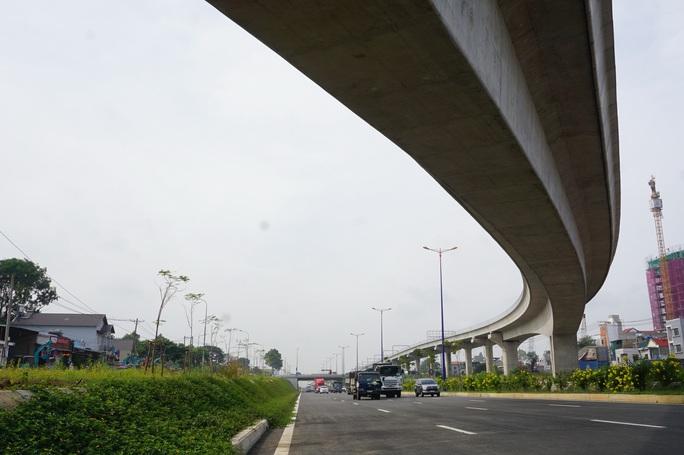 Thông xe nút giao Đại học Quốc gia TP HCM, cửa ngõ phía Đông rộng mở - Ảnh 2.