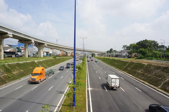 Thông xe nút giao Đại học Quốc gia TP HCM, cửa ngõ phía Đông rộng mở - Ảnh 1.