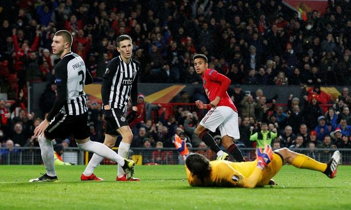 Tam phong M-A-M lập công, Man United đại thắng Europa League - Ảnh 3.