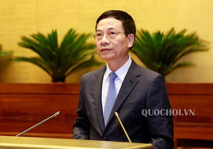 """Bộ trưởng Nguyễn Mạnh Hùng trả lời về tình trạng báo chí """"sáng đăng, trưa gặp, chiều gỡ"""" - Ảnh 1."""