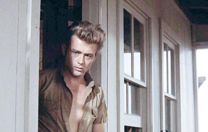Tài sử James Dean chết 64 năm trở lại đóng phim - Ảnh 1.