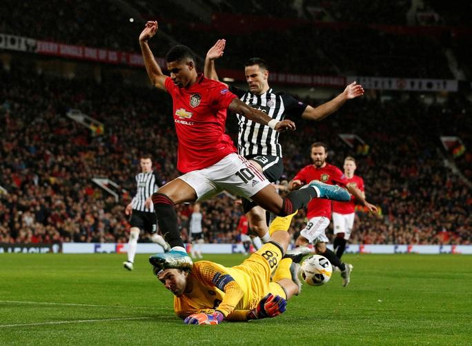 Tam phong M-A-M lập công, Man United đại thắng Europa League - Ảnh 2.