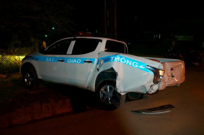 Vụ xe tải tông xe CSGT: Tài xế xe tải có nồng độ cồn vượt 3 lần mức xử phạt tối đa - Ảnh 1.