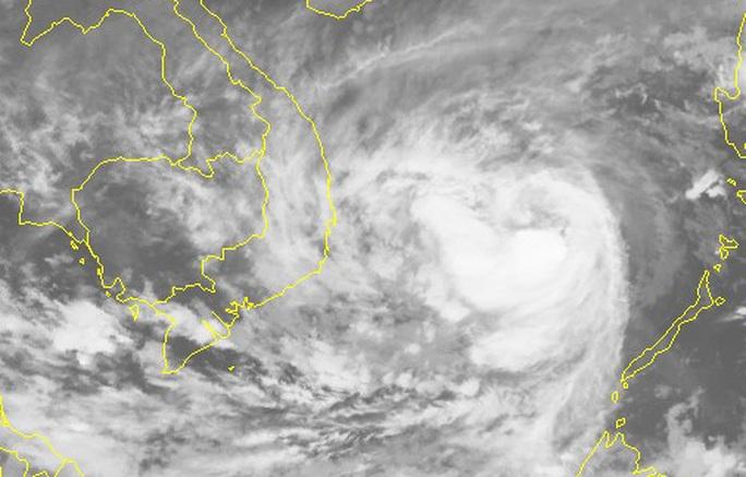 Bão số 6 giật cấp 15 tăng tốc vào Nam Trung bộ, sóng biển cao 7-8 m - Ảnh 2.