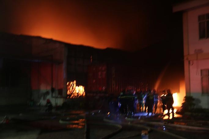 Đồng Nai: Cháy dữ dội tại KCN Biên Hoà 2 - Ảnh 1.
