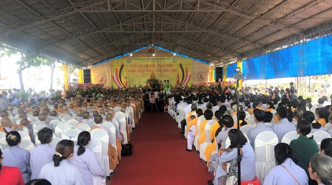 Hàng ngàn người đội nắng dự khánh thành Thiền viện Trúc Lâm Bạc Liêu - Ảnh 3.