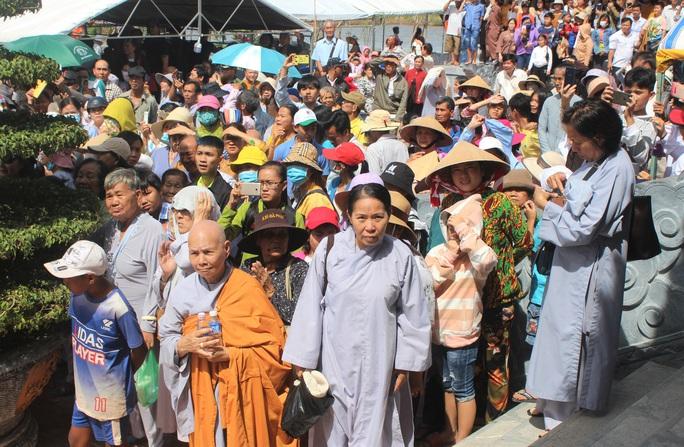 Hàng ngàn người đội nắng dự khánh thành Thiền viện Trúc Lâm Bạc Liêu - Ảnh 6.