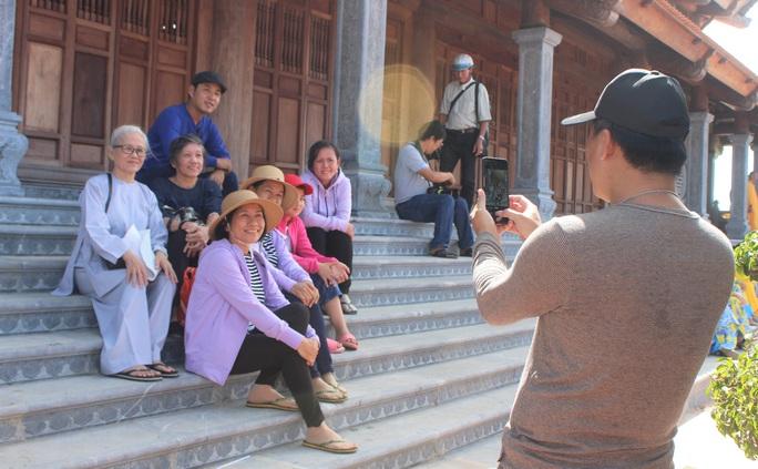 Hàng ngàn người đội nắng dự khánh thành Thiền viện Trúc Lâm Bạc Liêu - Ảnh 8.