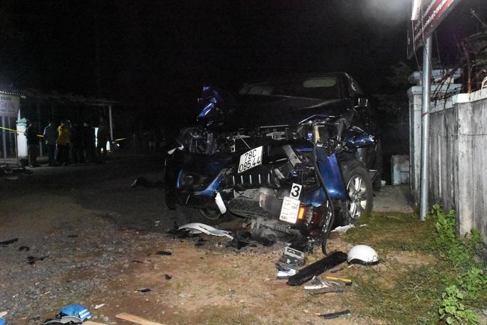 Khởi tố, bắt tạm giam tài xế gây tai nạn thảm khốc làm 4 người chết ở Phú Yên - Ảnh 1.