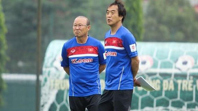 Trợ lý HLV Park Hang-seo: Bóng đá Việt Nam đang vươn tầm khỏi Đông Nam Á - Ảnh 2.