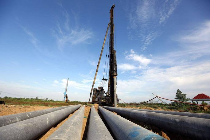 Cần tiếp tục giải ngân vốn ngân sách để sớm hoàn thành cao tốc Trung Lương - Mỹ Thuận - Ảnh 1.