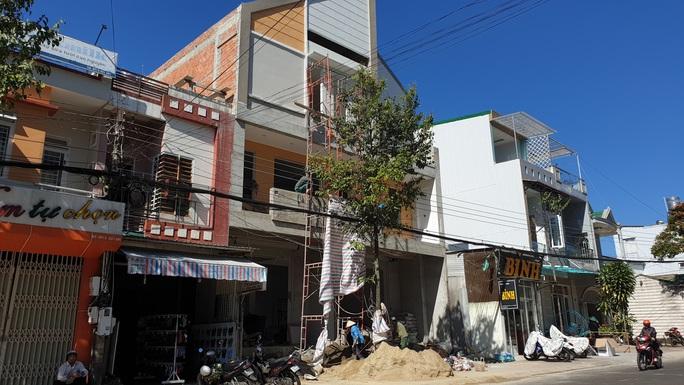 Diễn biến bất ngờ vụ Giám đốc BHXH TP Bảo Lộc xây nhà sai phép - Ảnh 1.