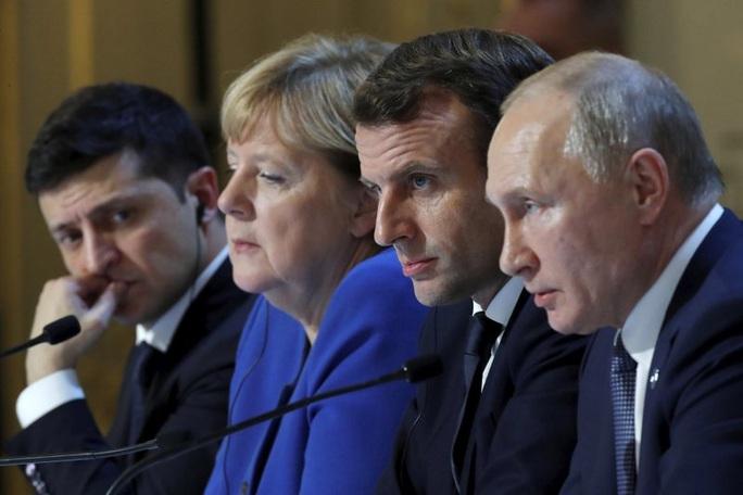 Vừa gặp mặt, ông Putin muốn đề nghị Ukraine sửa hiến pháp - Ảnh 2.