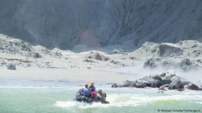 Lời nói đùa định mệnh của nạn nhân vụ phun trào núi lửa New Zealand - Ảnh 6.