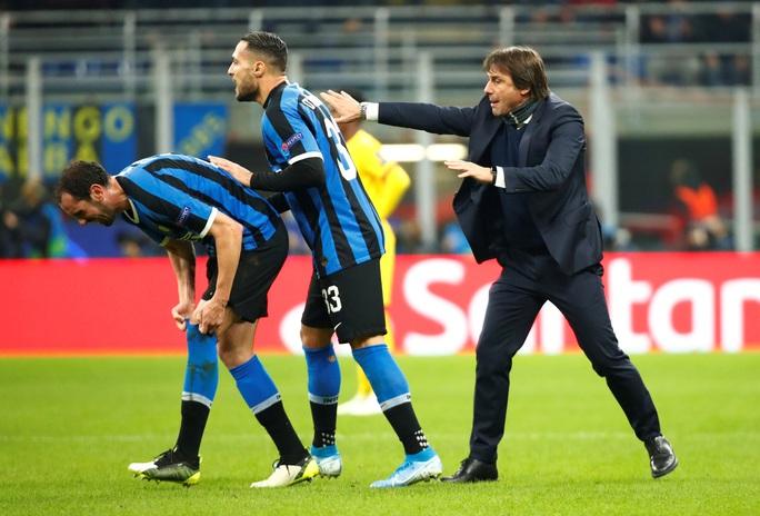 Thần đồng Barca tỏa sáng, Inter Milan vuột vé vòng knock-out - Ảnh 2.