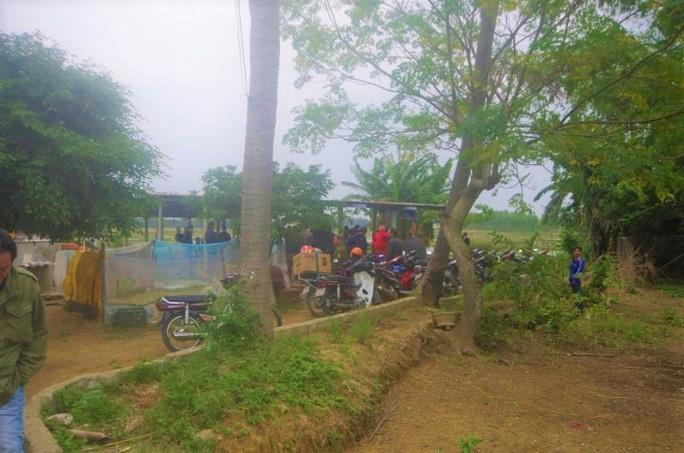 Công an ập vào phá sới đá gà khủng ở Quảng Bình, bắt hàng chục đối tượng - Ảnh 1.