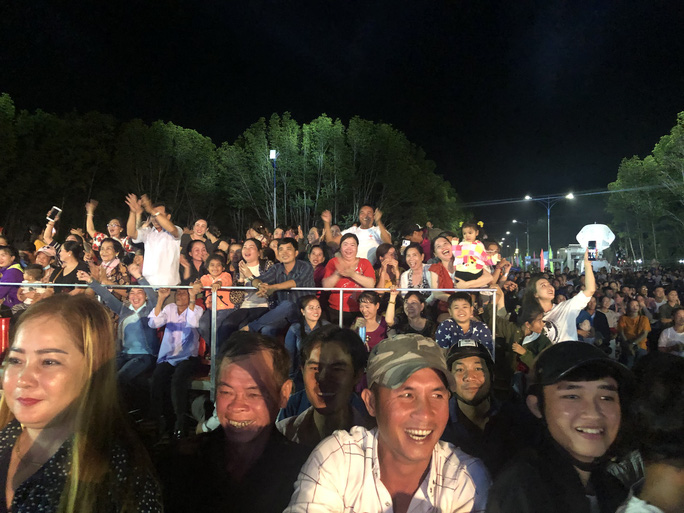 Thủ tướng: Nụ cười tỏa nắng của người dân sẽ là thương hiệu cho du lịch Cà Mau - Ảnh 4.