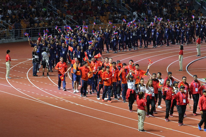 Bế mạc SEA Games 30: Ánh Viên được vinh danh, Việt Nam nhận cờ đăng cai SEA Games 31 - Ảnh 2.