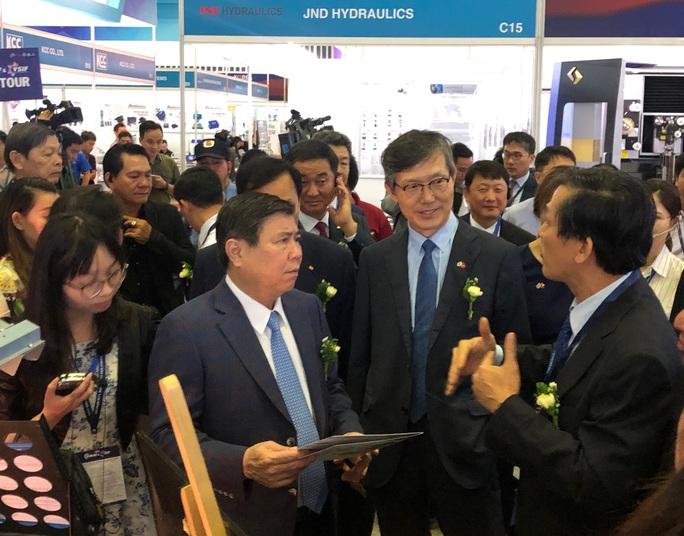 Nhiều doanh nghiệp TP HCM cung ứng linh kiện cho Samsung - Ảnh 1.