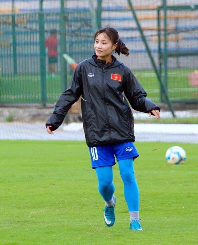 Điêu đứng với Hoàng Thị Loan - hoa khôi tuyển bóng đá nữ Việt Nam - Ảnh 8.