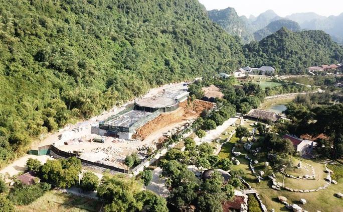 Cận cảnh công trình khủng vượt phép xâm hại di sản Tràng An - Ảnh 3.