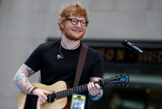 """""""Hoàng tử tình ca"""" Ed Sheeran lập kỷ lục """"khủng"""" - Ảnh 1."""