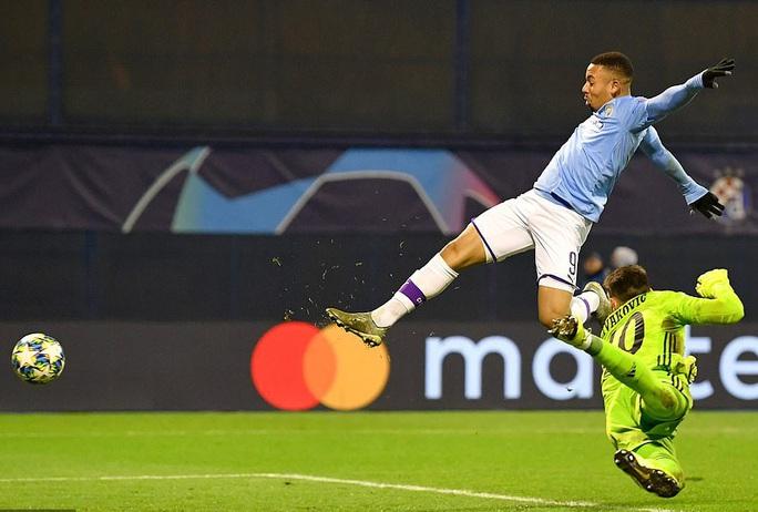 Man City đại thắng, Champions League vòng knock-out đầy ắp anh hào - Ảnh 2.
