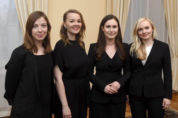 Nữ quyền hừng hực ở Phần Lan, 5 nữ tướng dẫn đầu 5 đảng liên minh - Ảnh 3.